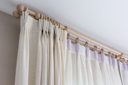 check-the-condition-of-your-curtain