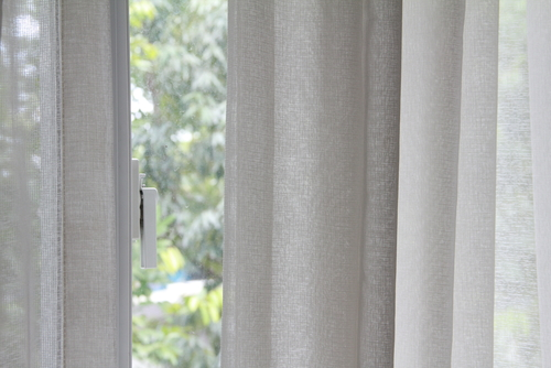 How Do I Dry Clean Curtains At Home?
